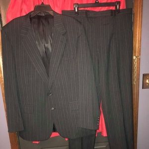 MENS BURBERRY SUIT